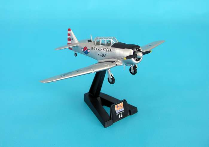 T-6g Texan Rok Air Force (1:72)