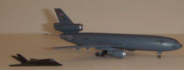 Dragon Wings United States Air Force KC-10A 1:400