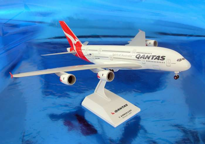 Qantas A380-800 (1:200) New Colors