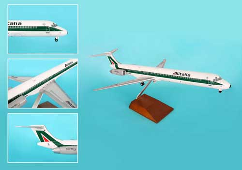 Alitalia MD-80 W/Wood Stand & Gear (1:100)