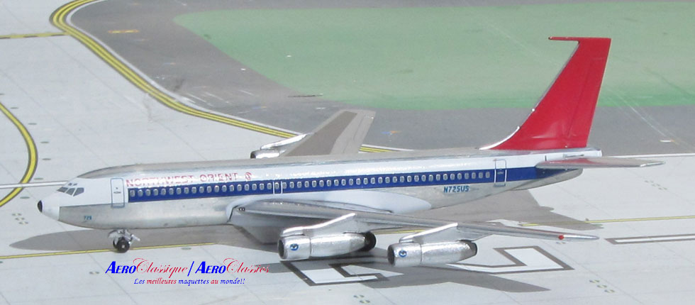 Northwest Orient B720B N725US (1:400)