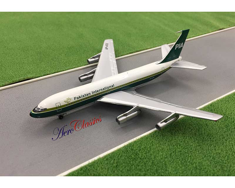 Pakistan International B720B AP-ATQ (1:400)
