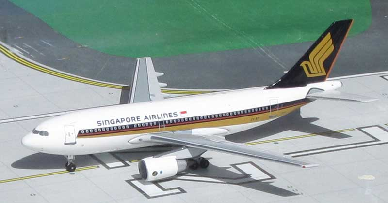 Singapore Airlines A310-222 9V-STI 1990's Colors (1:400)