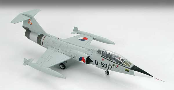 "TF-104G Starfighter ""The Dutch Masters,"" Royal Dutch Air Force (1:72)"