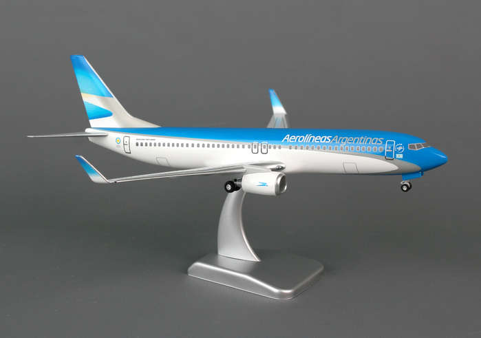 Aerolineas Argentinas 737-800W (1:200) With Gear