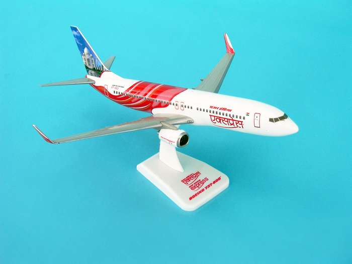 Air India Express 737-800W REG#VT-AXF (1:200) W/Gear