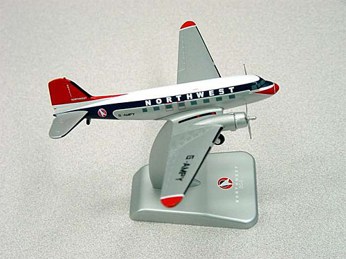 Northwest DC-3 (1990's Colors) (1:200)