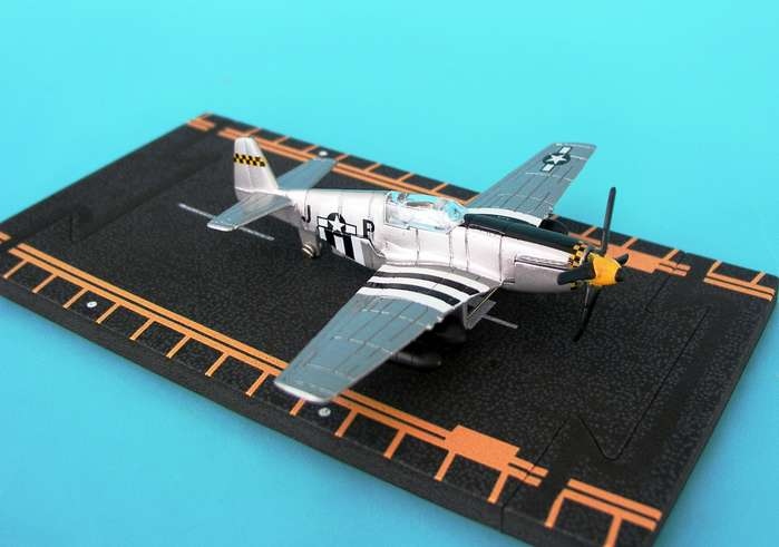 "P-51B Mustang - D-Day stripes (Approx. 5"")"