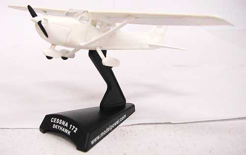 Cessna 172 Skyhawk (1:87) Plain White with Decals for Customization