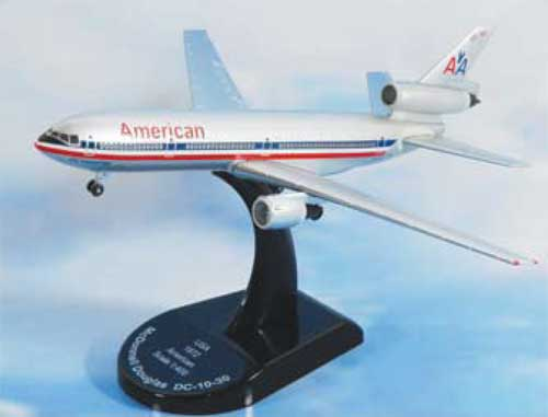 American Airlines DC-10-30 (1:300)
