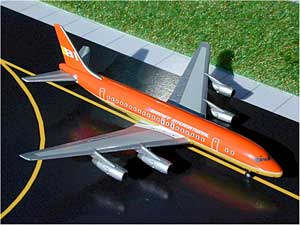 Braniff DC-8-50 (Orange) (1:500)