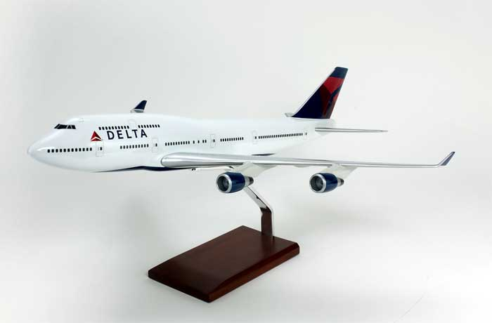 Delta Airlines B747-400 (1:100)