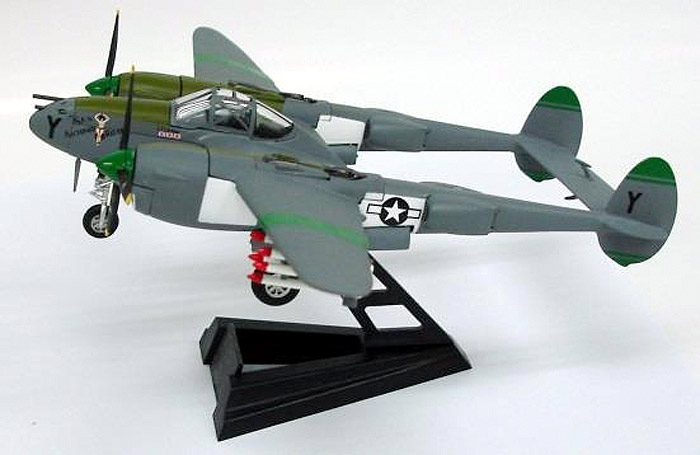 "P-38J Lightning, USAAF 8th Fighter Group, 80th FS #42-103984 ""San Antonio Rose"", Charles Ray, Nadzab, New Guinea, 1944 (1:72)"