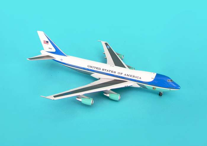 Air Force One VC-25A (1:500)