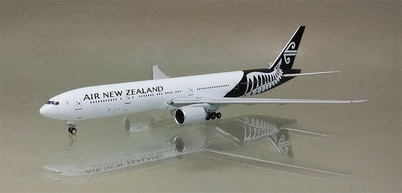 Air New Zealand 777-300 ZK-OKR (1:400)