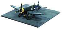 F4U-1D Corsair VF-84 with Carrier Deck (1:72)