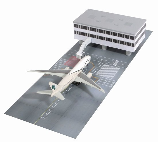 Pakistan International 777-200LR With Airport Terminal Set H (1:400)