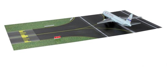 Air Canada 767-300 with Runway Section (1:400)