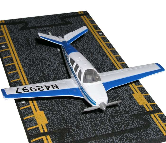 "Beechcraft Bonanza (Blue/White) (Approx. 5"")"