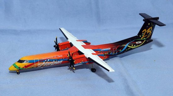 "Horizon Air DASH-8 Q400 ""Celebrating 25 Years"" (1:200)"