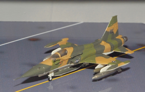 F-5A Tiger Freedom Fighter (6251TFW 'Da (1:144 Scale)