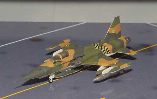 F-5A Freedom Fighter VNAF 522nd Squadron (1:144)