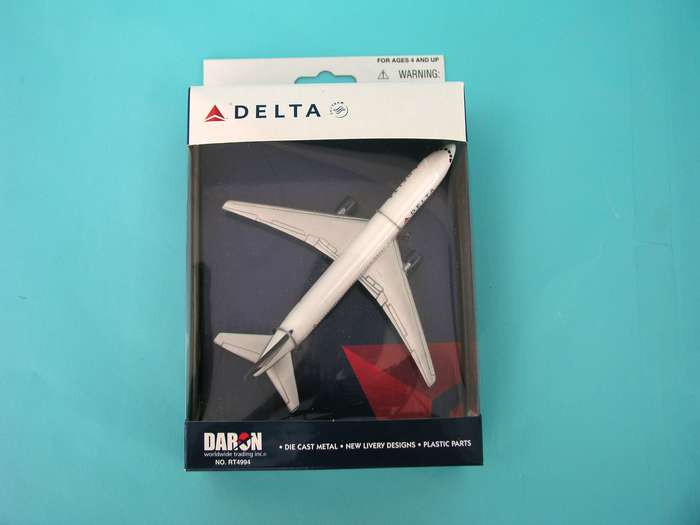 "Delta Airlines Airliner (5"")"