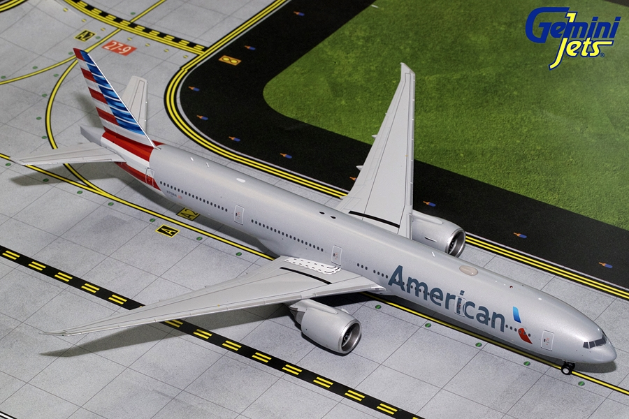 American B777-300ER N719AN (1:200) - Preorder item, order now for future delivery