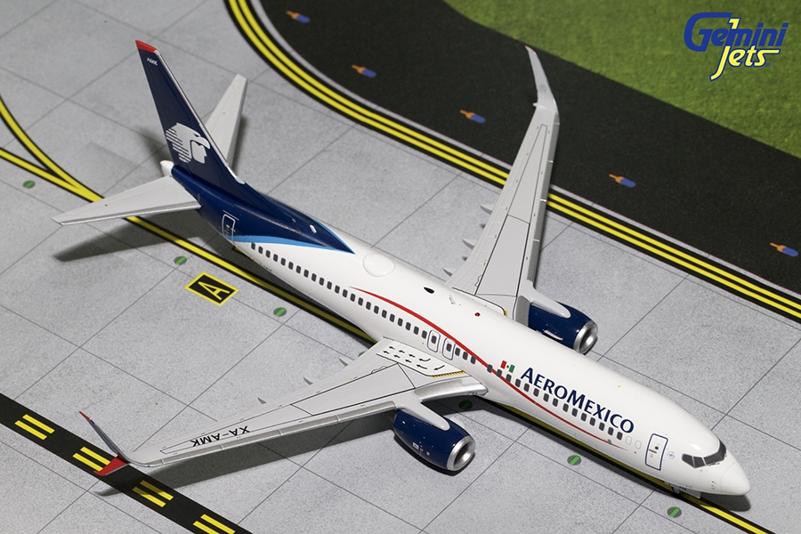 AeroMexico B737-800 Scimitars, White Livery XA-AMK (1:200) - Preorder item, order now for future delivery