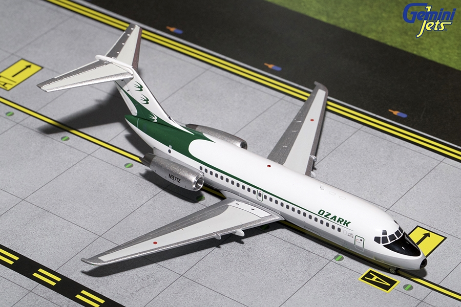 Ozark DC-9-14 Delivery Colors N971Z (1:200)