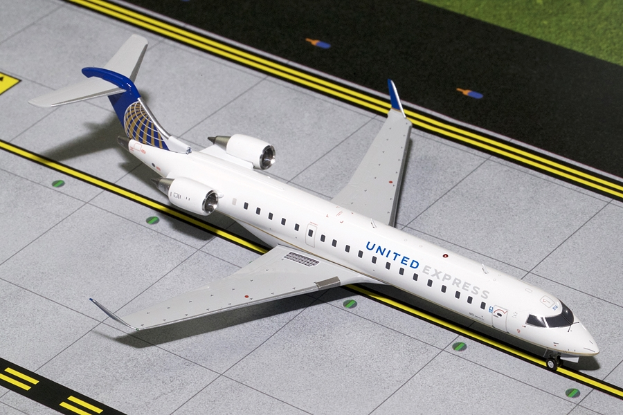 United Express CRJ-700 N514MJ (1:200)