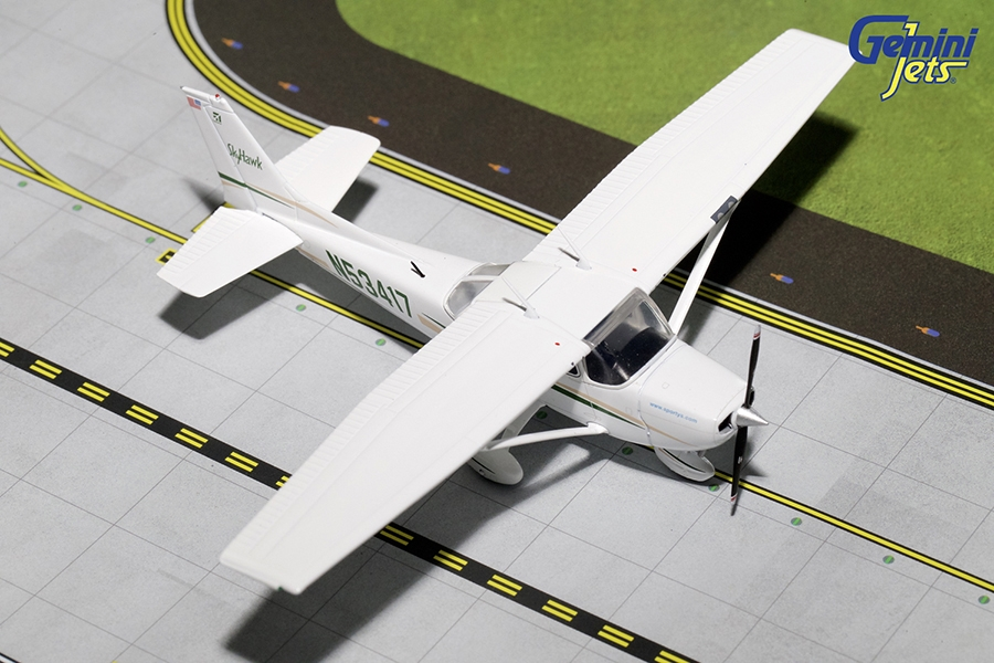 Sporty's #3 Cessna 172 N53417 (1:72) - Preorder item, order now for future delivery