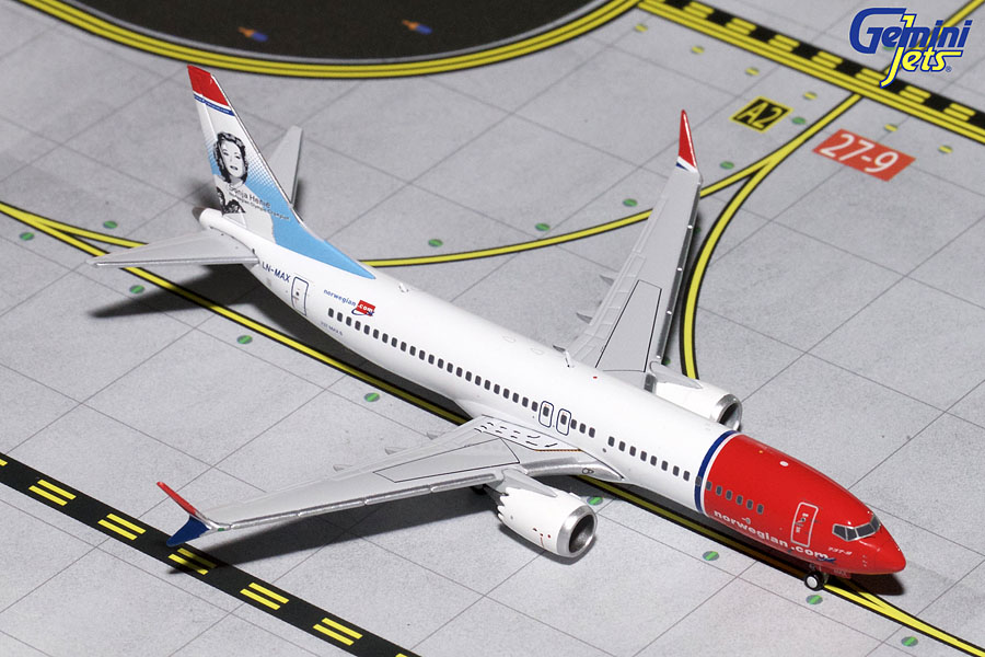 "Norwegian B737 MAX 8 ""Sonja Henie"" LN-MAX (1:400) New Mould - Preorder item, order now for future delivery"