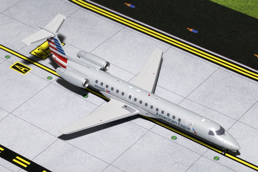 "American Eagle ERJ-145 ""New Livery"" N928AE (1:200) - Preorder item, order now for future delivery"