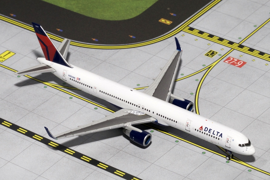 Delta B757-300(W) N583NW (1:400) - Preorder item, order now for future delivery