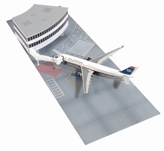 U.S. Airway A330-300 With Airport Terminal Set L (1:400)