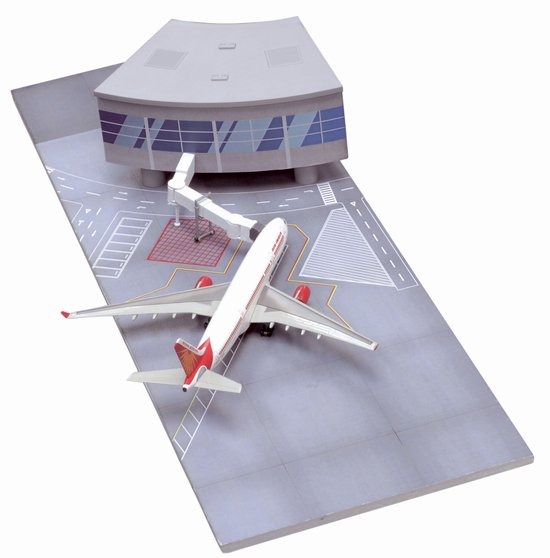 Air India A330-200 Section with Airport Terminal (Curve Terminal Section) (1:400)