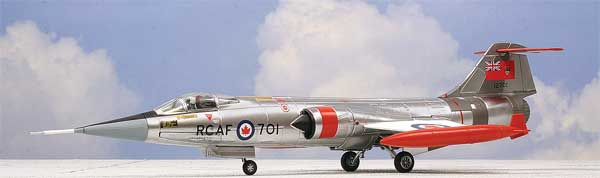 "CF-104 Starfighter ""701,"" Royal Canadian Air Force (1:72)"