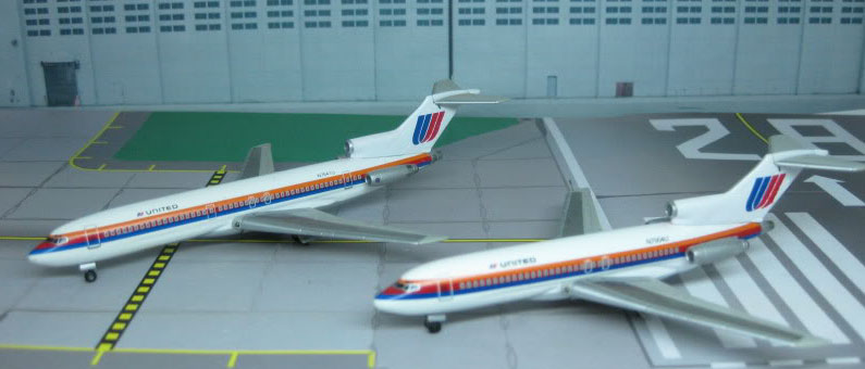 United Airlines B727-100 and 727-200 1980's Colors (1:400)
