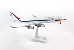 Korean Air Force 747-400, 10001 (1:200) with gear by Hogan Wings Collectible Airliner Models item number: HG0472G