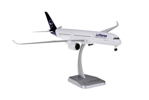 Lufthansa A350-900 D-AIXI New Livery (1:200) by Hogan Wings Collectible Airliner Models item number: HGDLH001