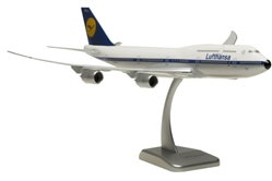Lufthansa 747-8 (1:200) Retro Livery D-ABYT by Hogan Wings Collectible Airliner Models item number: HGLH35