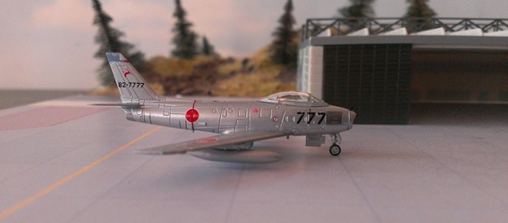 F-86F-40 JASDF 8 Sqn 82-7777 (1:200), Hogan Wings Military Airplane Models Item Number HG7372