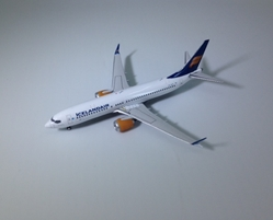 Icelandair B737-8max TF-ICY ((1:400)), Phoenix (1:400) Scale Diecast Aircraft, Item Number PH04219