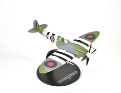 Supermarine Spitfire Mk.IXb, 15-victory ace Pierre Henri Clostermann, 602 Squadron, RAF, 1944 (1:72), Atlas Editions Item Number ATL-7896-005