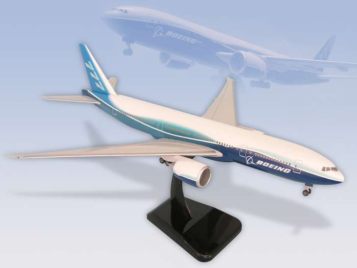 "Boeing 777-200LR (1:200) W/GEAR New Livery ""Dreamliner"", Hogan Wings Collectible Airliner Models Item Number HG3732G"