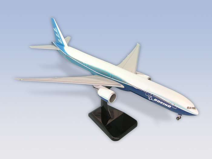"Boeing 777-300ER (1:200) ""Dreamliner"", Hogan Wings Collectible Airliner Models Item Number HG3763G"