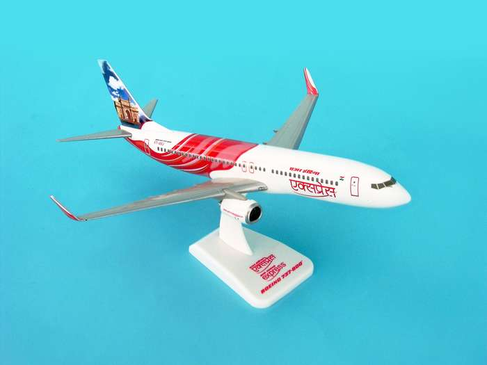 Air India Express 737-800W REG#VT-AXH (1:200) W/Gear, Hogan Wings Collectible Airliner Models Item Number HG3800GH