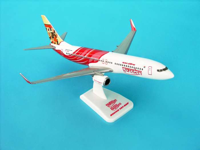 Air India Express 737-800W REG#VT-AXI (1:200) W/Gear, Hogan Wings Collectible Airliner Models Item Number HG3800GI