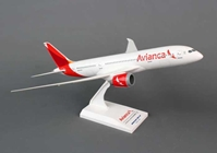 Avianca 787-8 with Gear and Swept Inflight Wings (1:200), Hogan Wings Collectible Airliner Models Item Number HG4647G